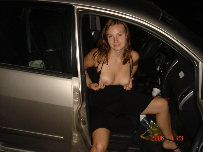 In girl showing car boobs