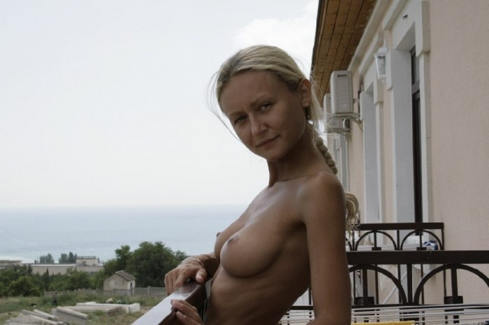 Amateur russian girl with big boobs naked at the streets