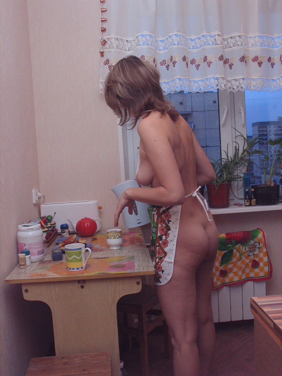 Russian Sporty Milf With Sweet Boobs At Home  Russian -7550