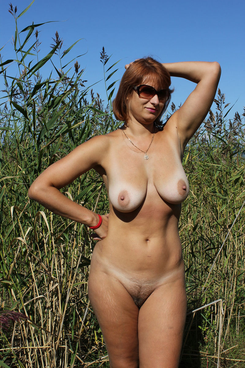 Russian Mature Wife With Big Boobs Posing Outdoors -7680