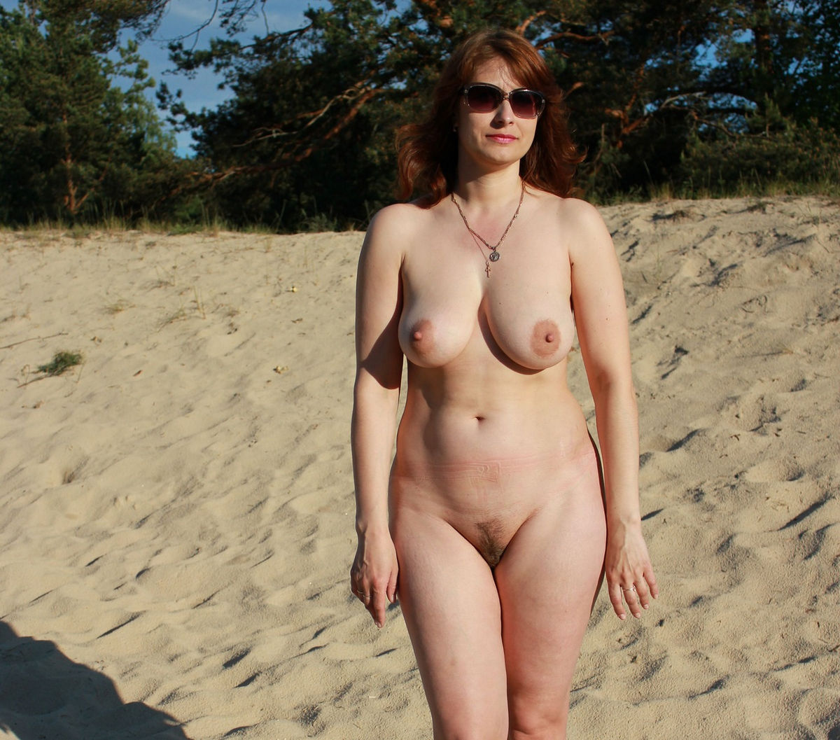 chunky women nude on beach