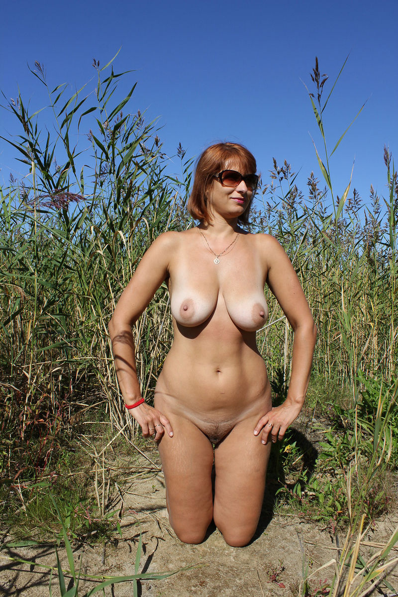 Russian Mature Wife With Big Boobs Posing Outdoors -5297