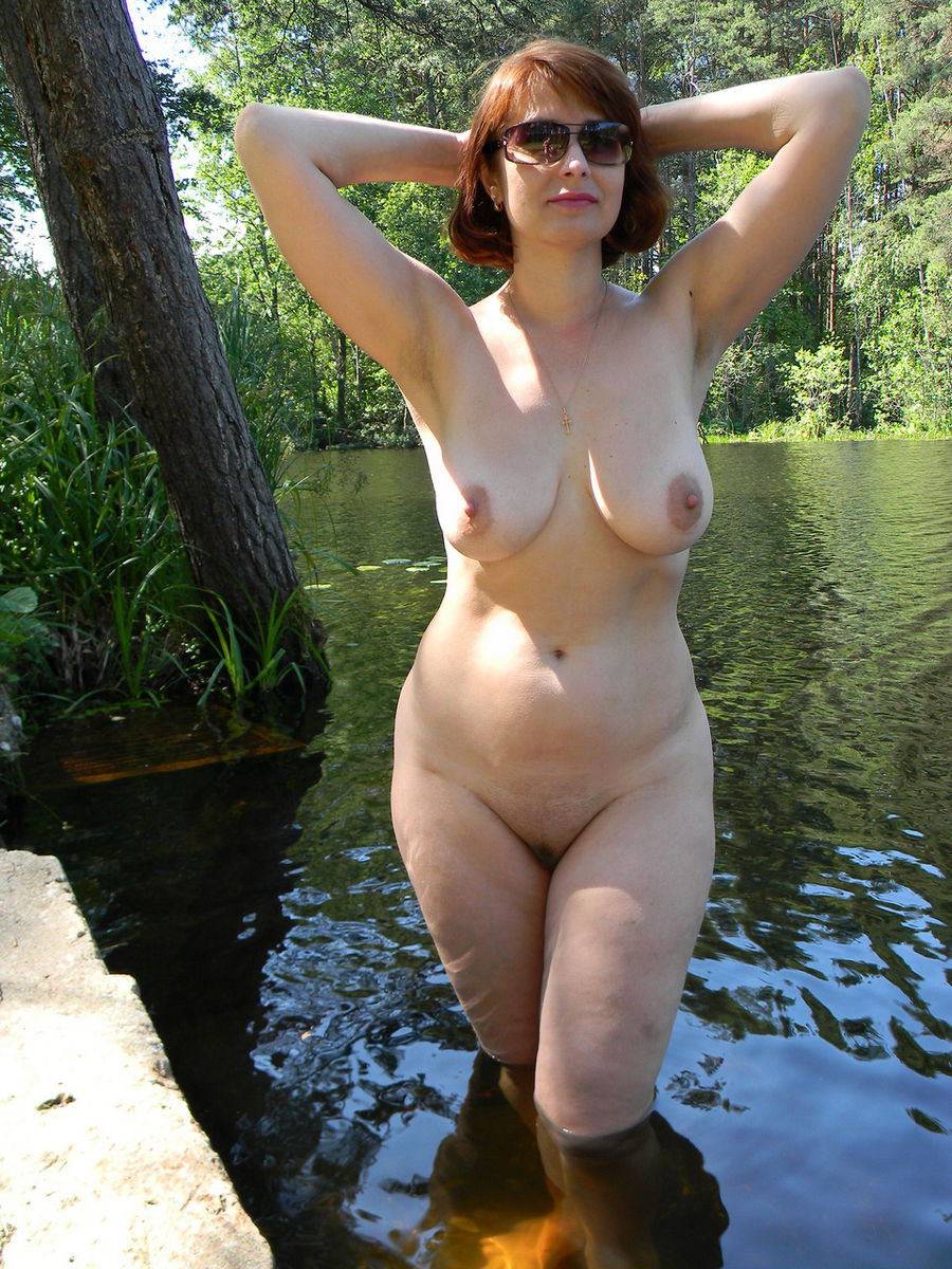Russian Mature Wife With Big Boobs Posing Outdoors -8651