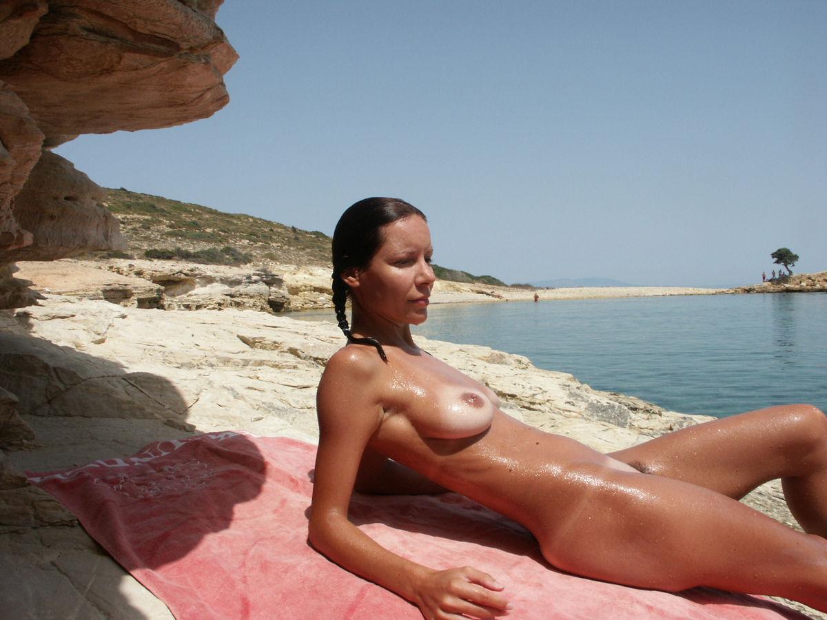 Beach slim nude