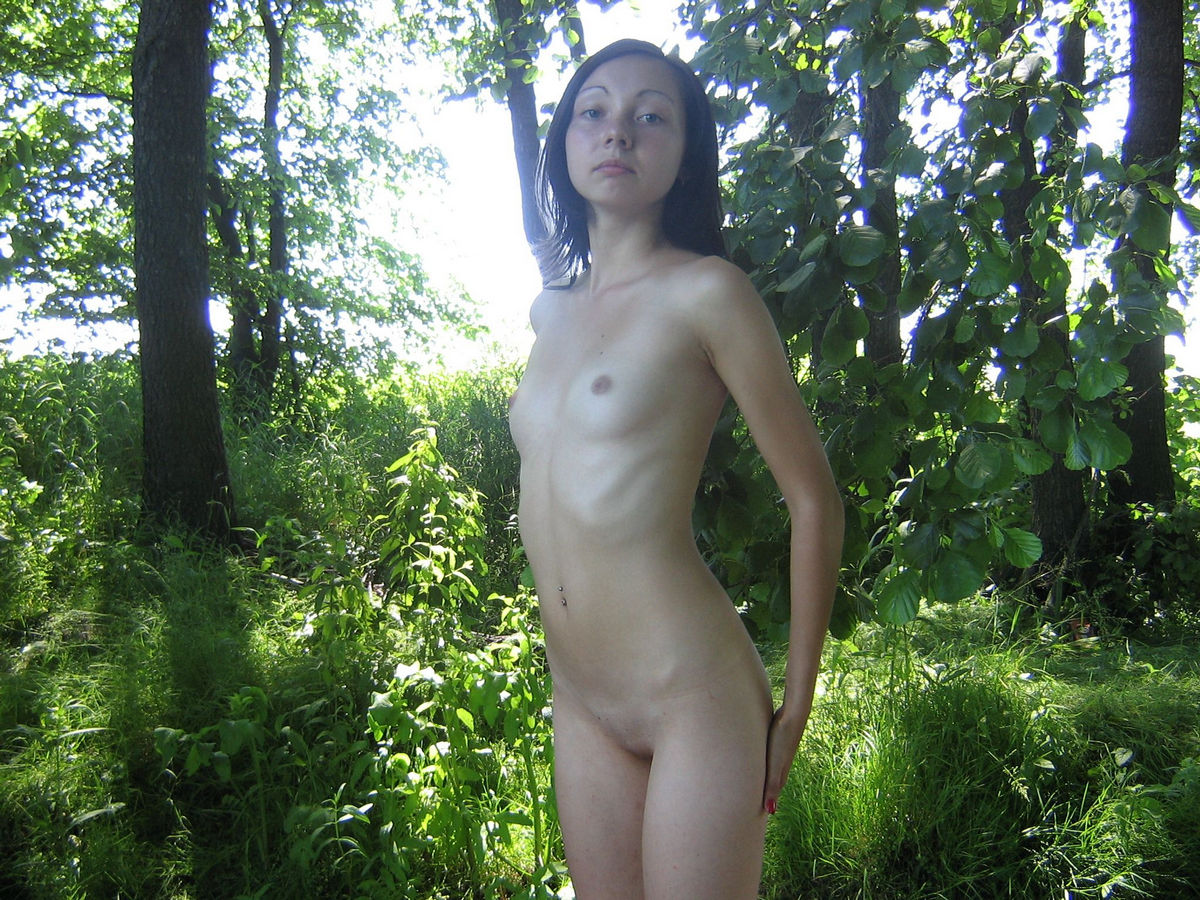 Exhibitionist nudist girls outside in the lake