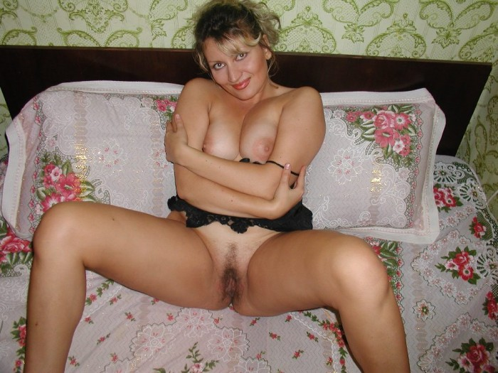 Russian mature with big boobs and hairy pussy.jpg