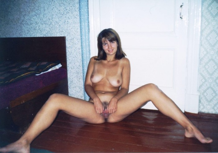 Russian mature with big boobs shows hairy pussy.jpg