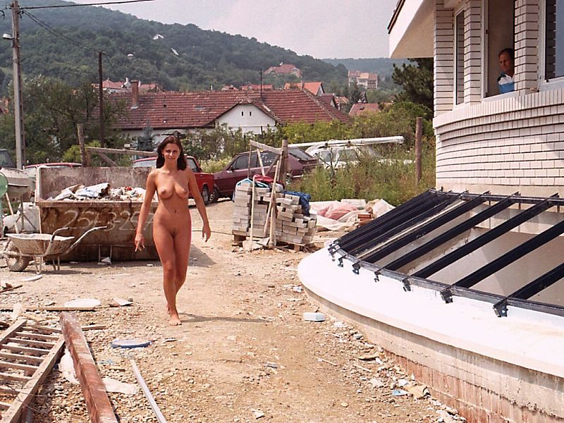 Sexy Milf With Big Boobs Posing Naked On The Construction -5769