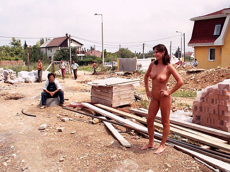 On naked Women building site girls