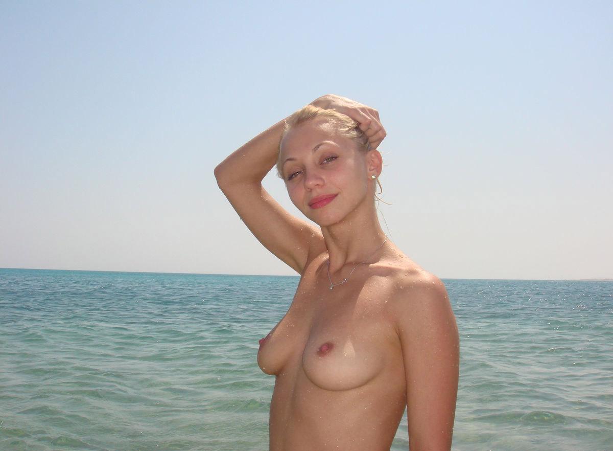 Галереи женщин жены на отдыхе фото ню шмитт видео порно