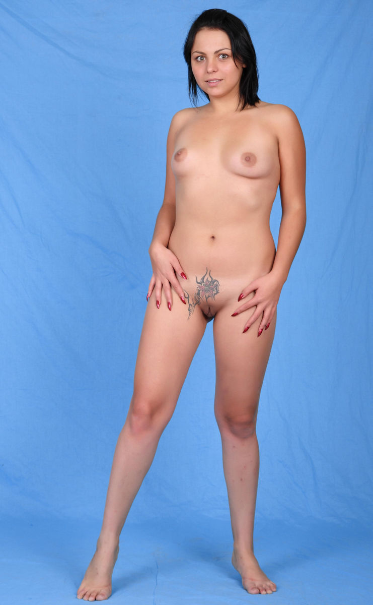 Sex babes having topless tattoo