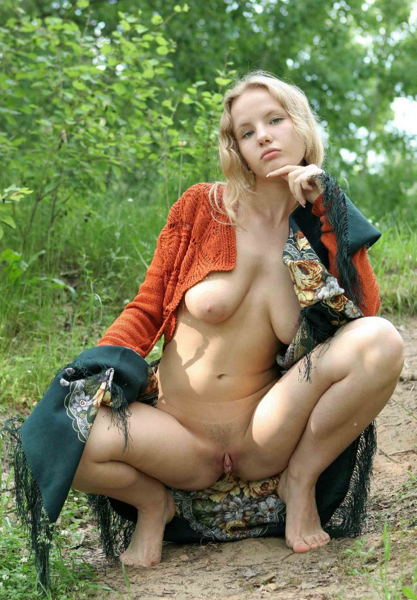 Amazing Russian Busty Blonde Teen With Big Pussy Outdoors -9449