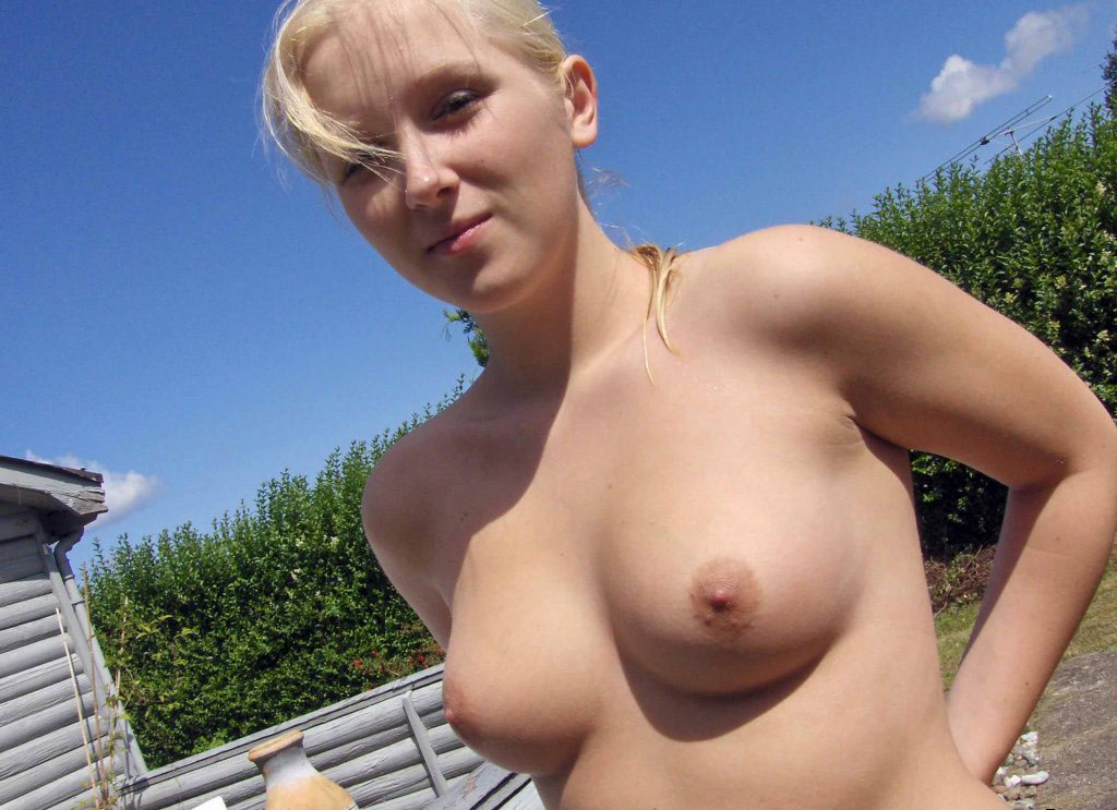 Nude Young Girl On Webcam
