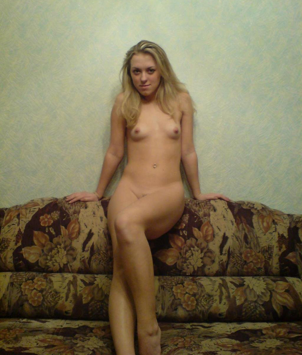 Nice Russian Blonde Girl In Stockings Posing At Home -8870