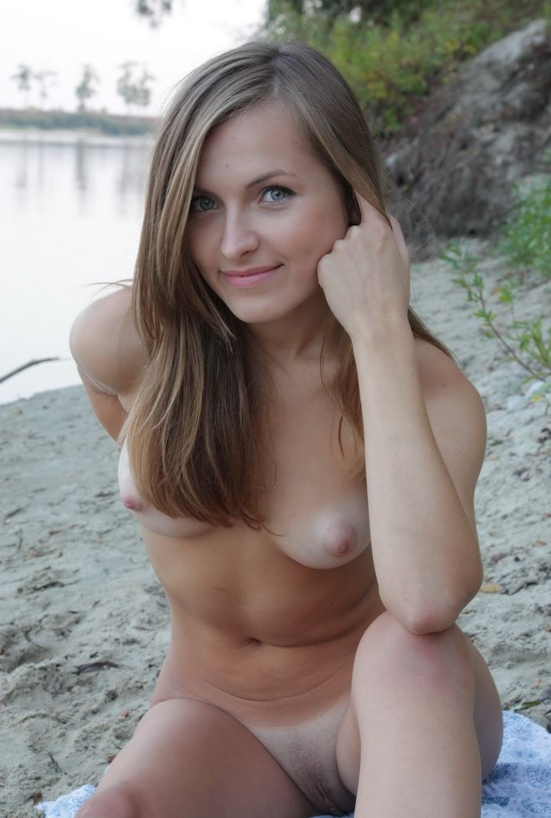Amazing Russian Teen With Perfect Sporty Body Posing Naked Outdoors -2479