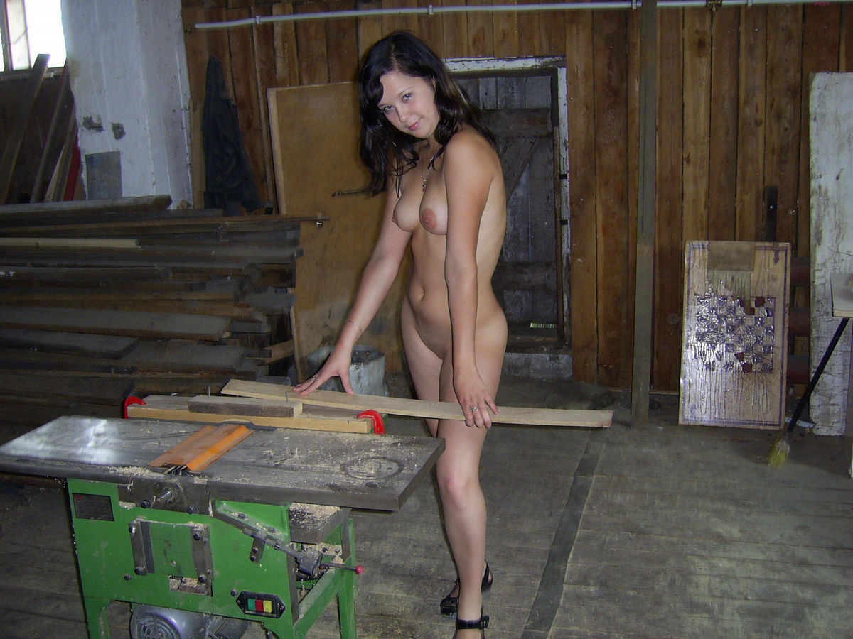 Lovely Russian Brunette Teen Posing Naked On Farm -7317