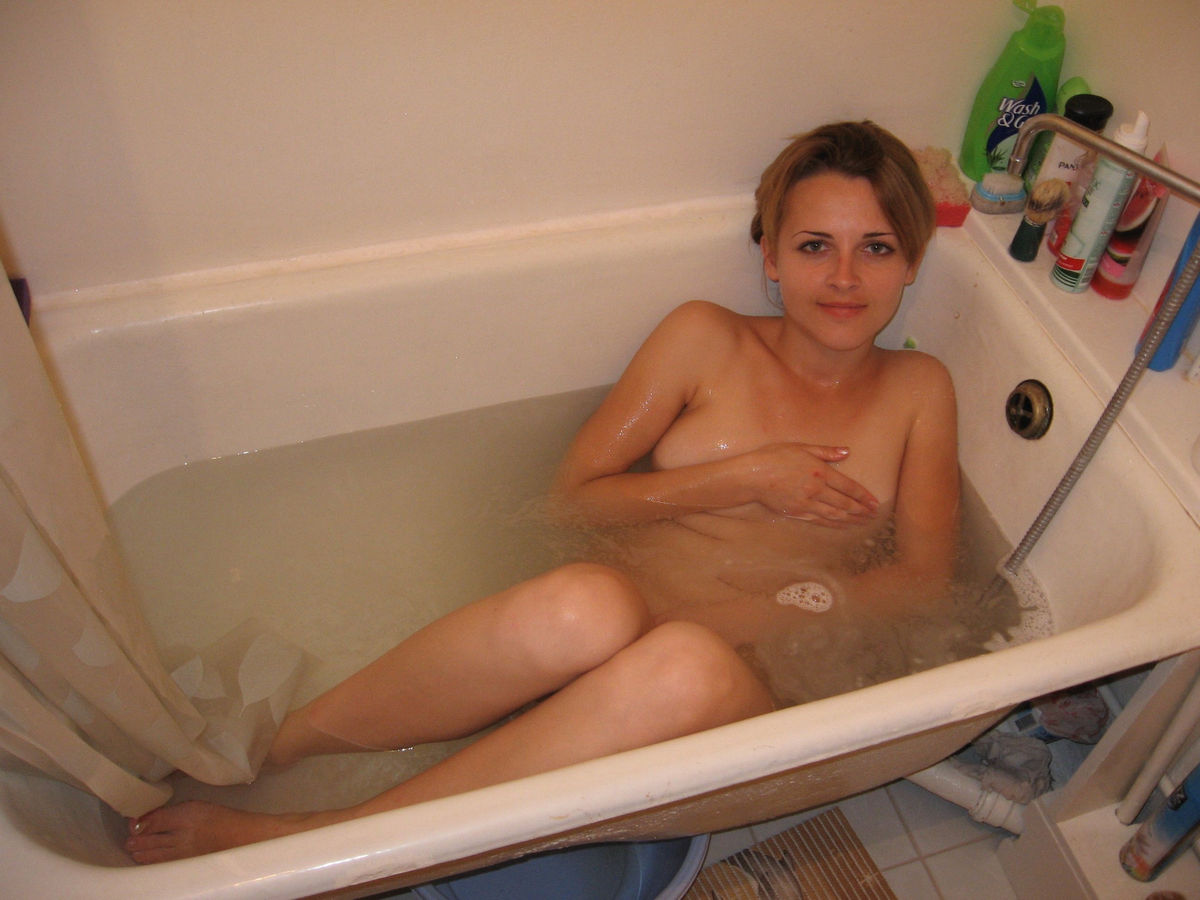 lovely amateur girl with small tits in bath russian sexy girls