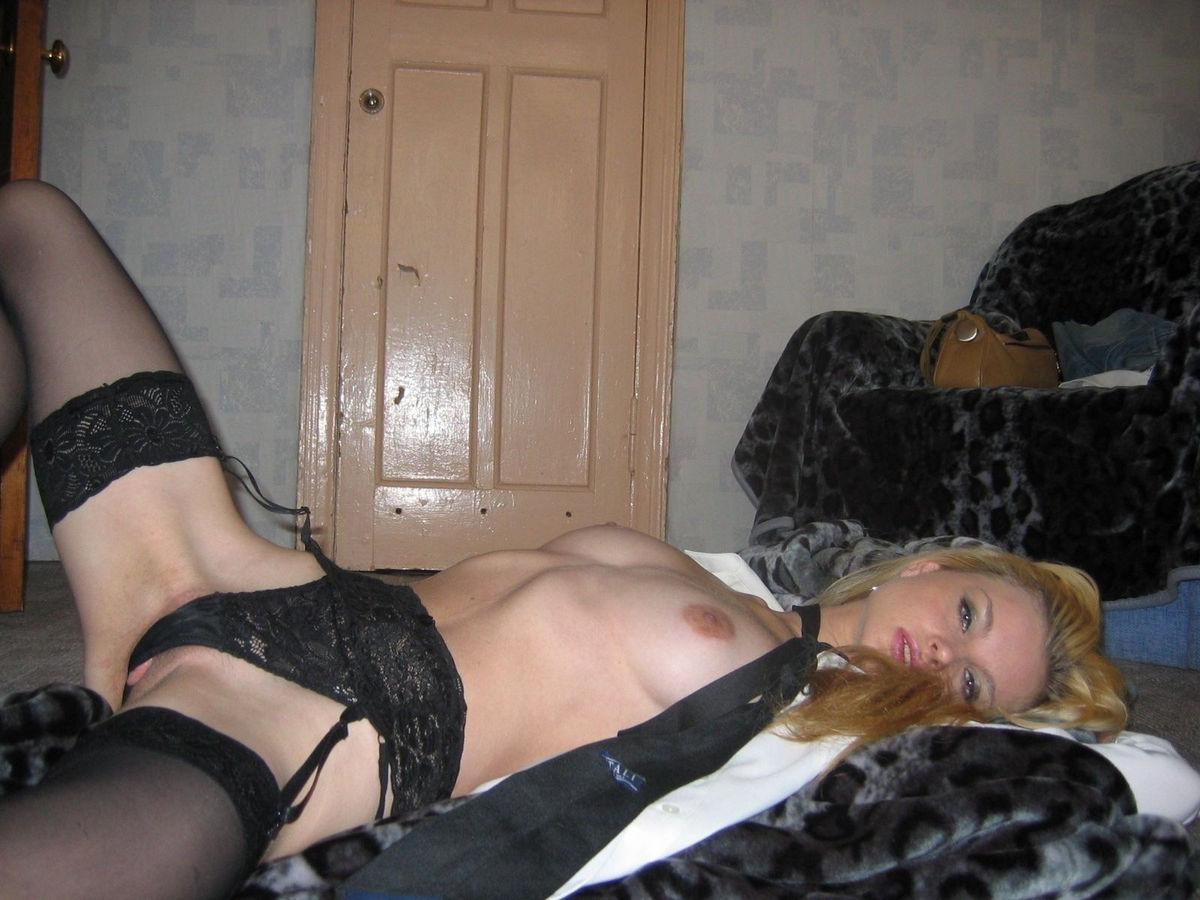 Эротические фотосеты блондинки Анджелы