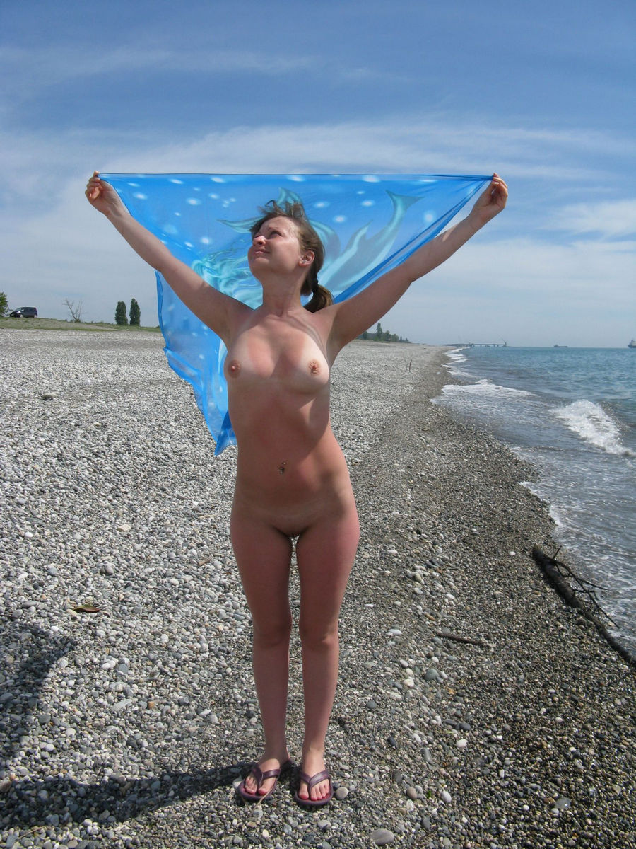 Amateur Russian Teen Posing Naked Outdoors On Vacation  Russian Sexy Girls-8934