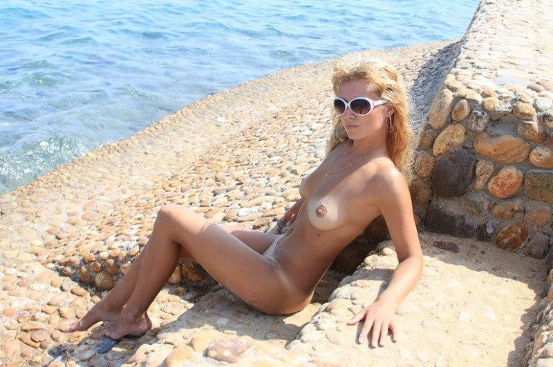 можем на море голая жена фото случайно попали наш