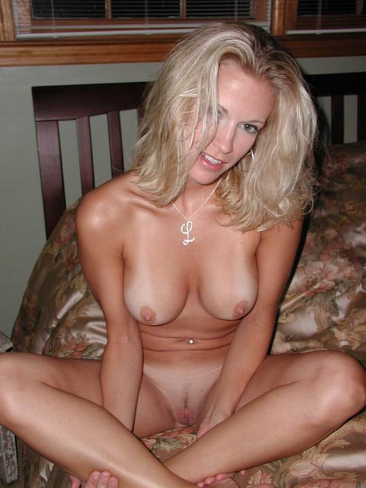 Sexy big boobs blonde milf love cock