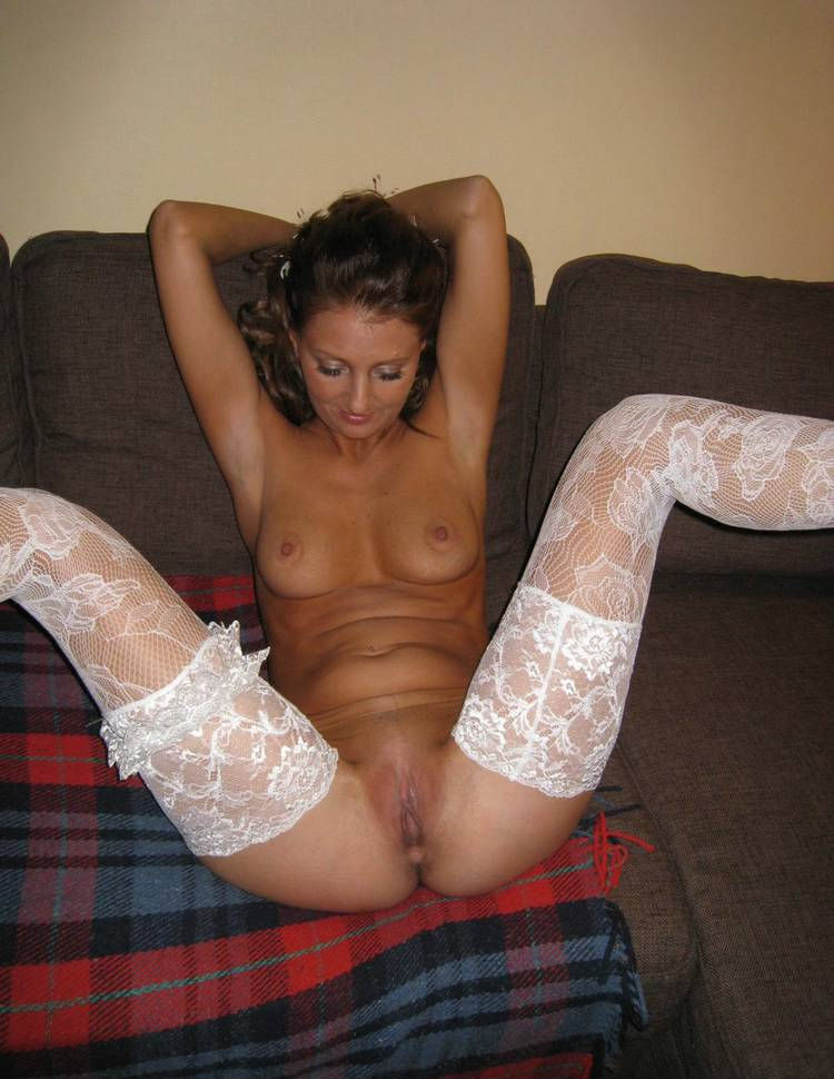 Amateur milf in stockings