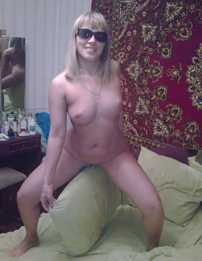 Nice amateur blonde wife posing naked at home
