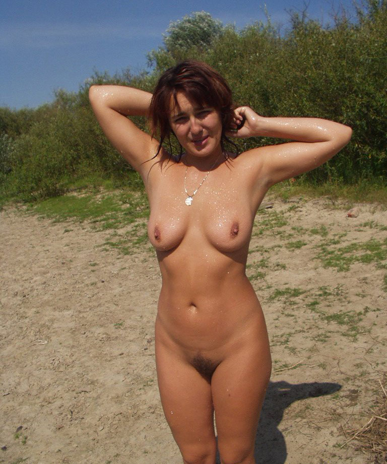 Hot sexy nude girl outdoors