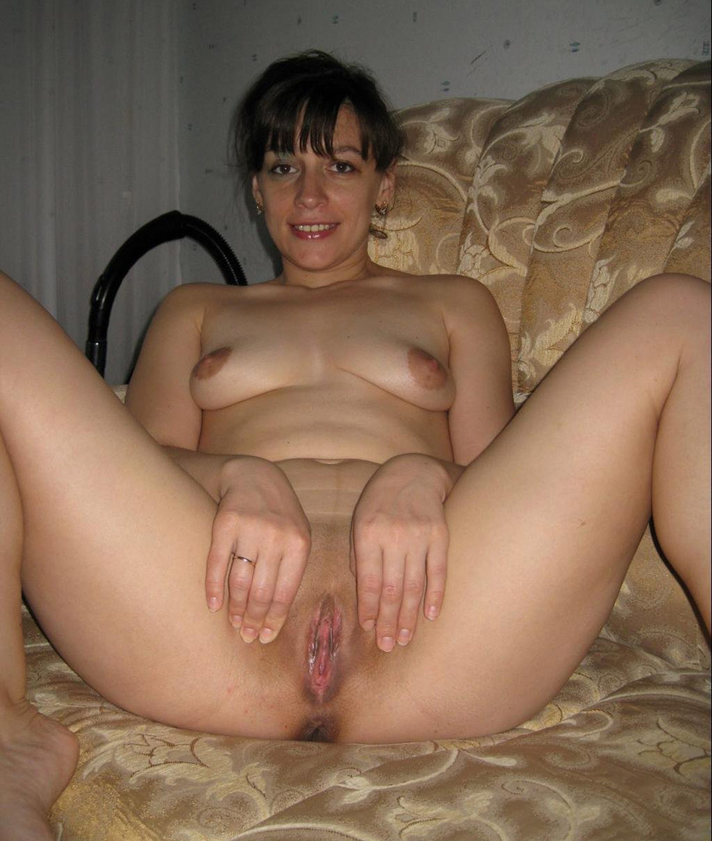 Mom showing shaved pussy
