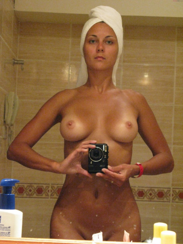Sexiest Russian Girl With Nice Boobs Posing In Bath  Russian Sexy Girls-9667