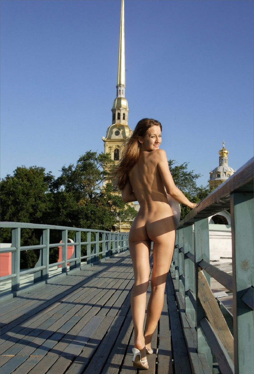 Beautiful Skinny Girl Posing Naked Outdoors On The Roof  Russian Sexy -6869