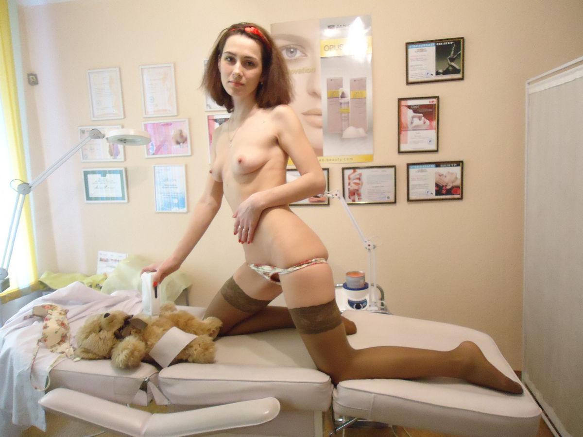 Секс с русской девушкой в пеньюаре 3 фотография