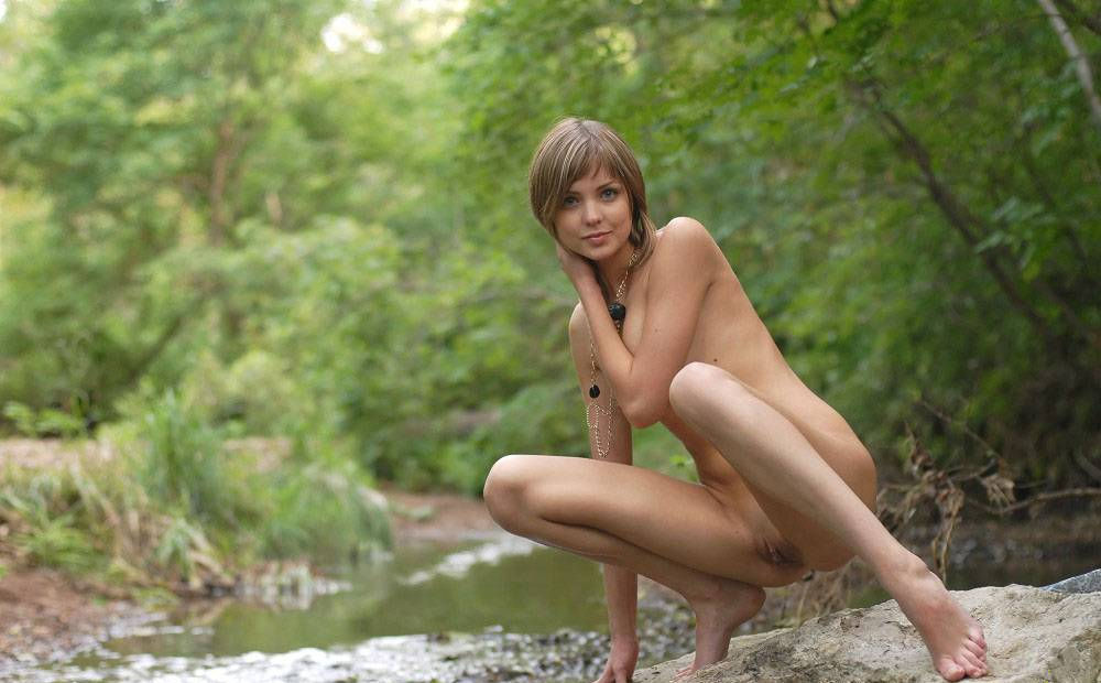 Alex mclaughlin nude