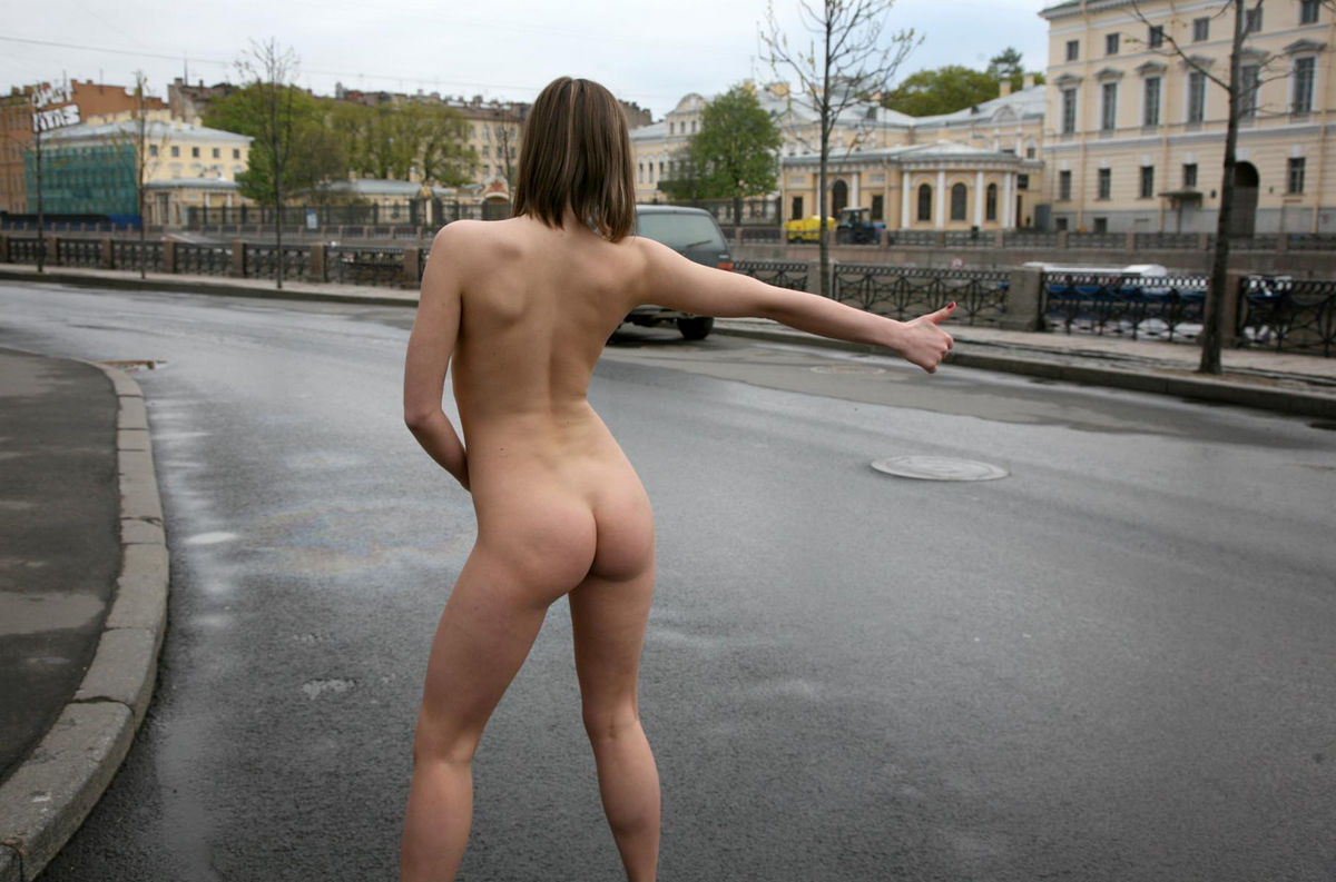 Crazy Russian Sporty Teen Walks Totally Naked At Public -8445