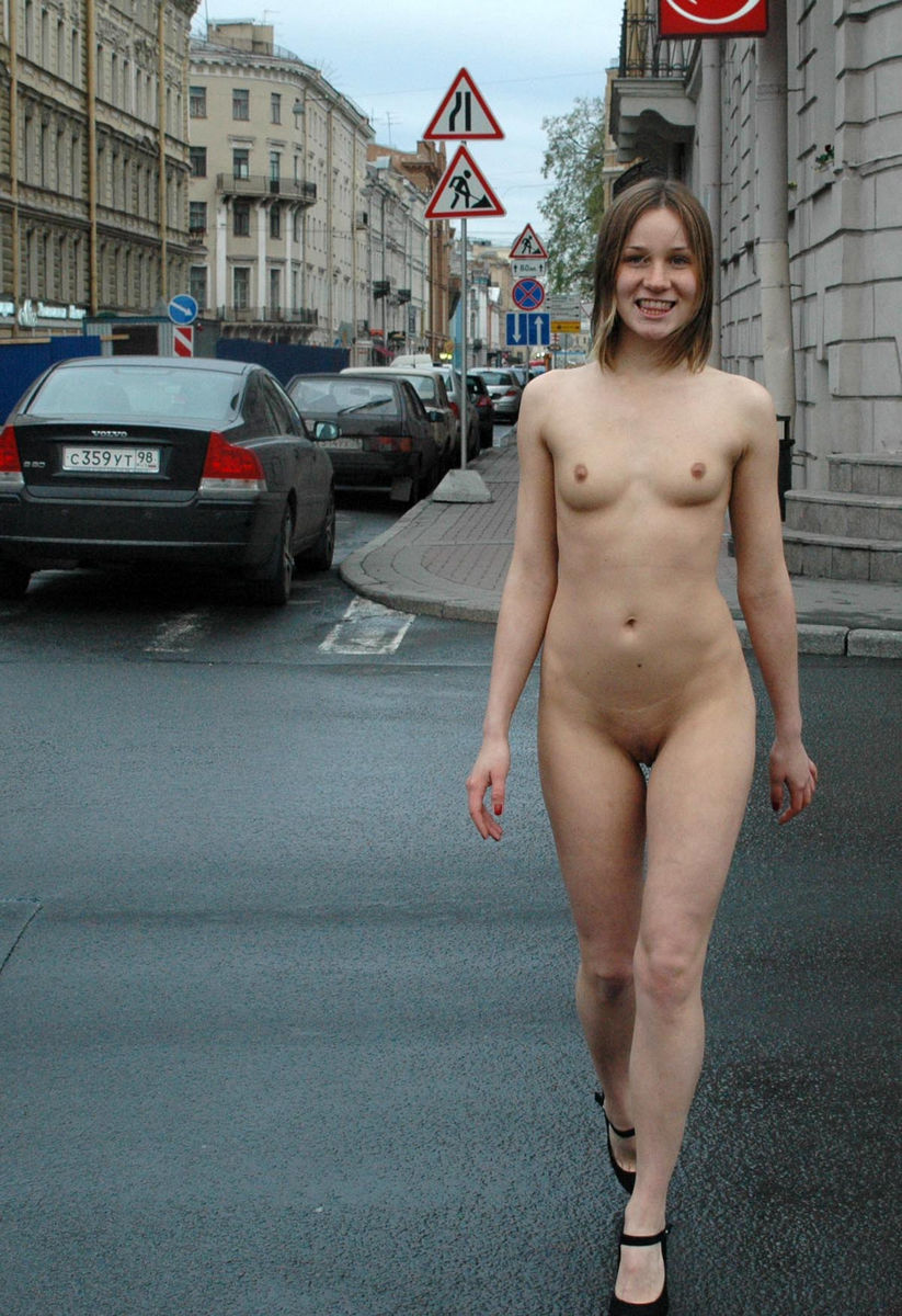 Crazy Russian Sporty Teen Walks Totally Naked At Public Streets -6374