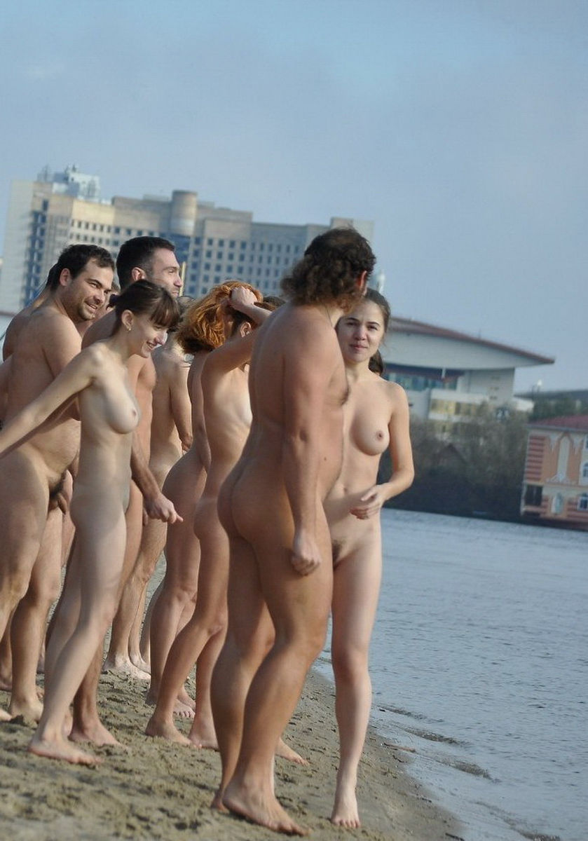 Big Group Of Russian Nudists Swiming And Posing At Beach -5117