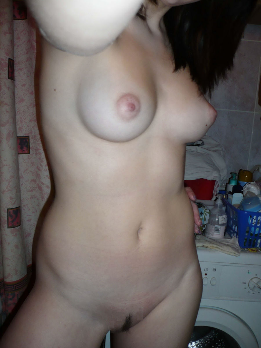 Opinion busty brunette self shooter pics