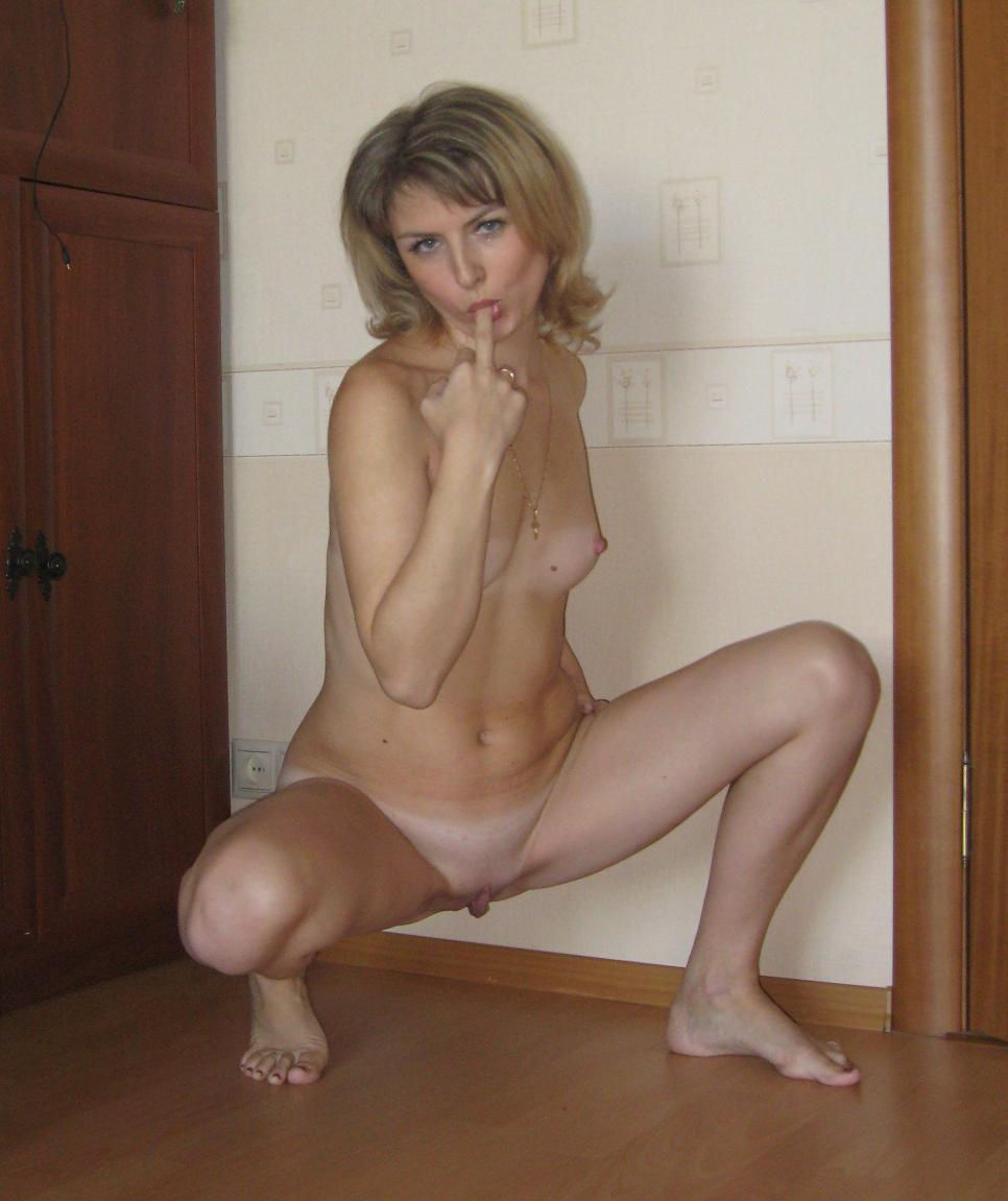 hot russian milf with small tits and with carrot in ass | russian