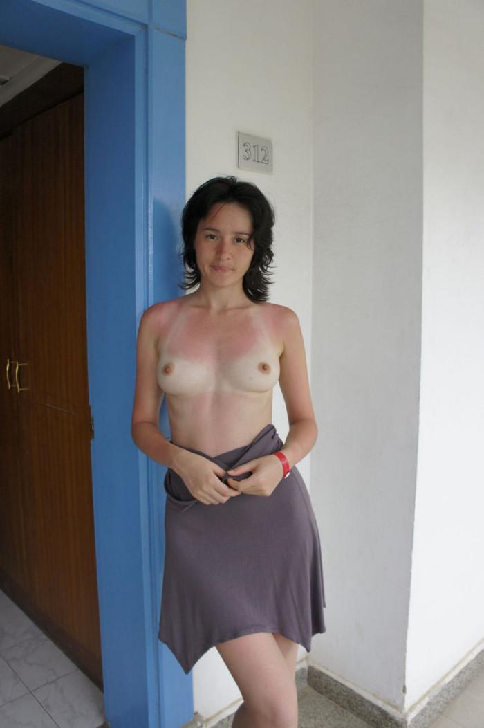 Hot girls flashing boobs