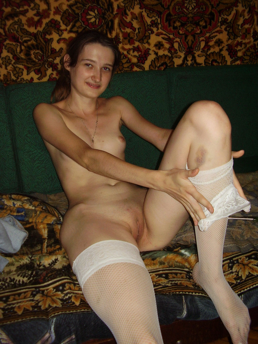 Nice Amateur Girl With Skinny Body And Small Tits -3659