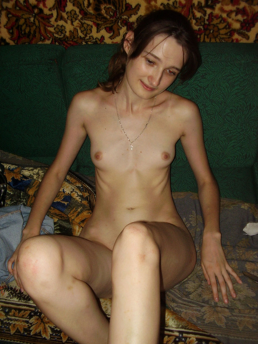 Nice Amateur Girl With Skinny Body And Small Tits -2705