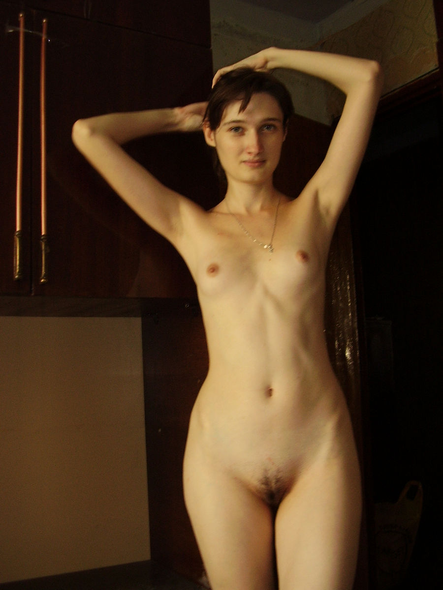 Nice Amateur Girl With Skinny Body And Small Tits -1585
