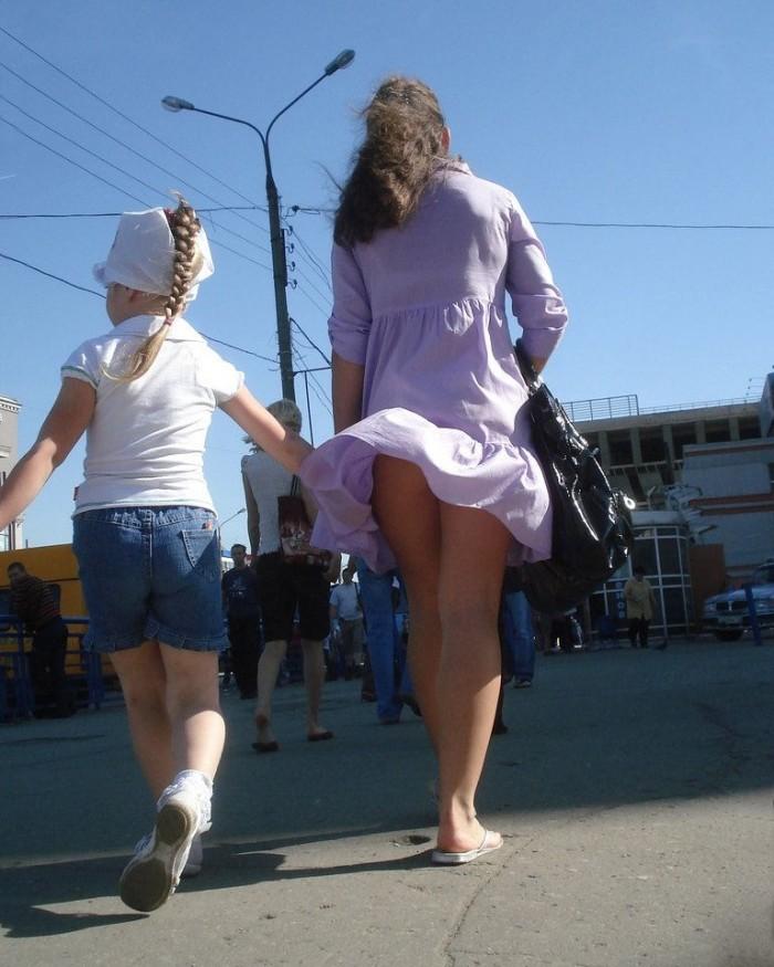 фото школьниц в мини голые