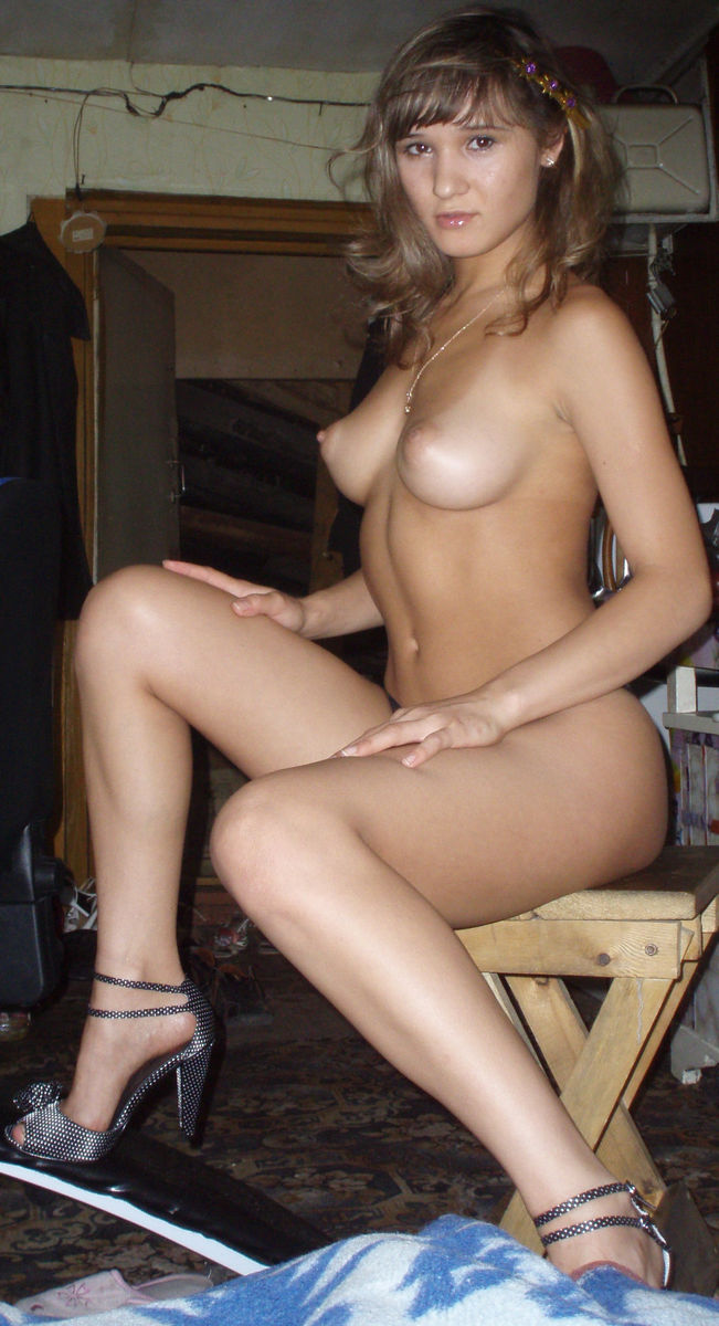 female nude spread tied