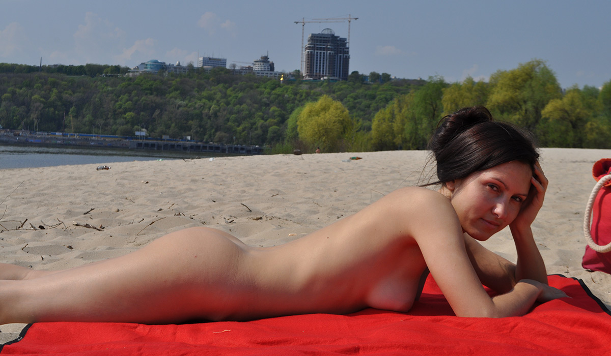 Milf beach beautiful nude