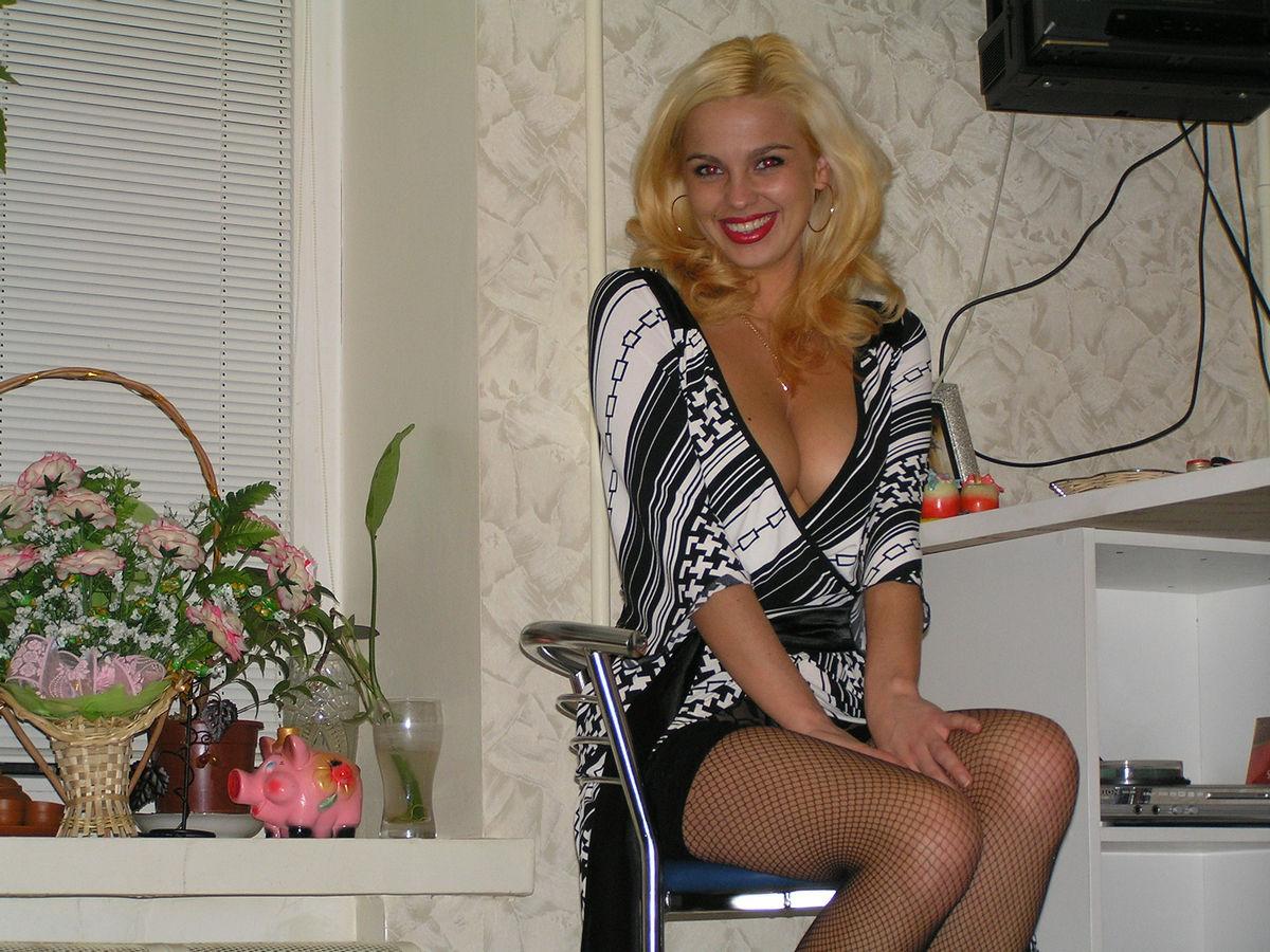 Смотреть hot blonde russian milf 9 фотография