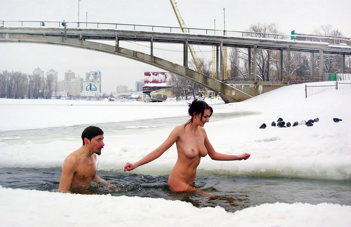 Russain Nudists Likes To Be Naked Even At Winter  Russian -9721