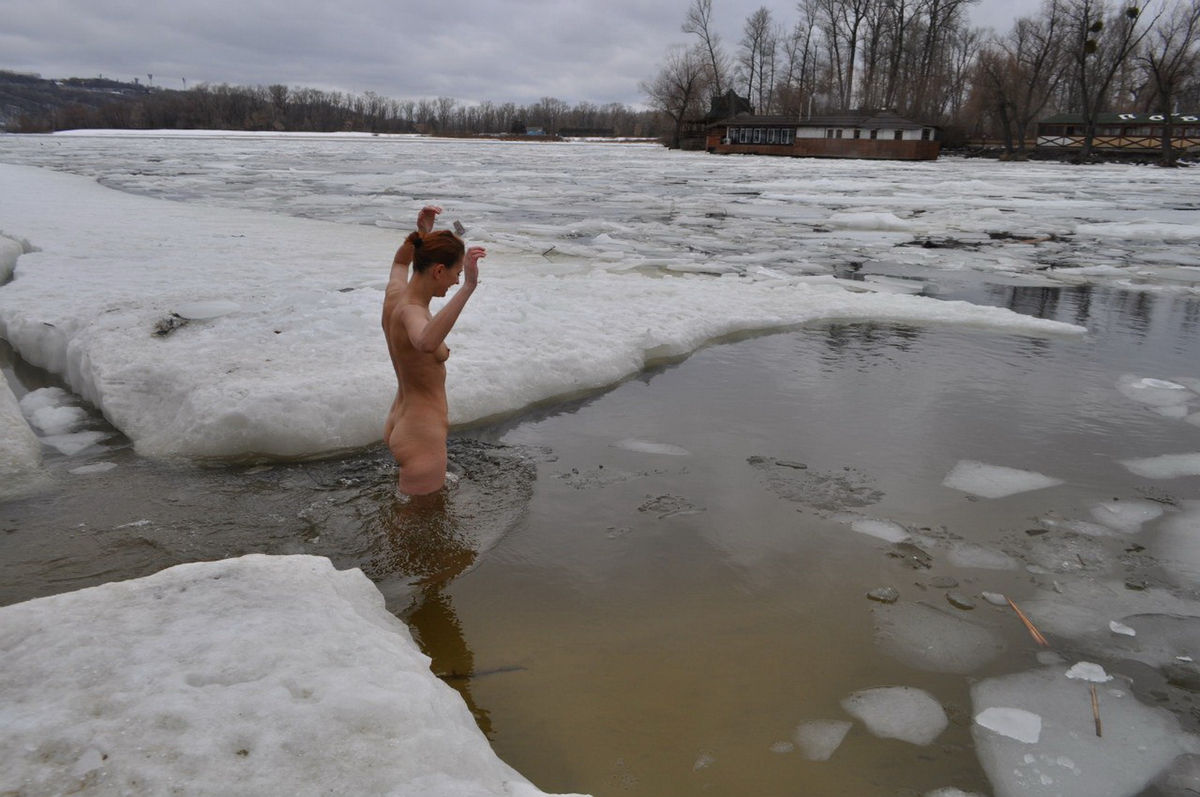 Russain Nudists Likes To Be Naked Even At Winter  Russian -2155