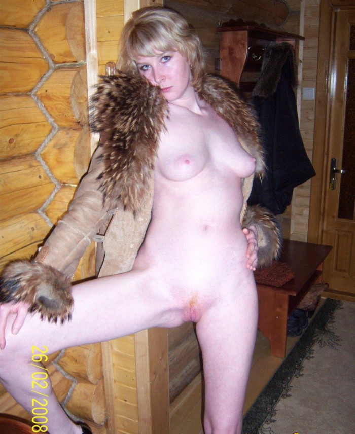 Dirty-minded MILF has taken off her panties and bra, so that you can see her amenities.jpg