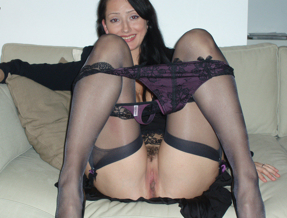 Milf shaved pussy in nylon stockings-8156